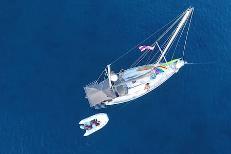 Floating on the beautiful Maui waters - Лахайна - Лодка