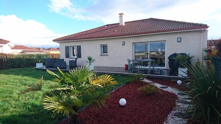Jolie maison avec jardin privatif