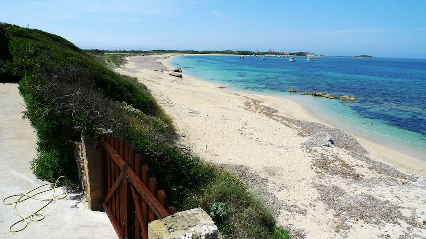 Beautiful oceanfront flat Sardinia-duplex