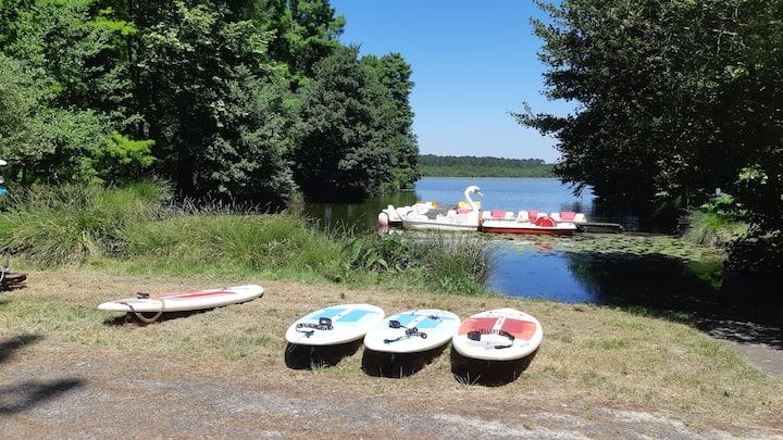 entre lac, forêt et océan, paddle, pédalo...