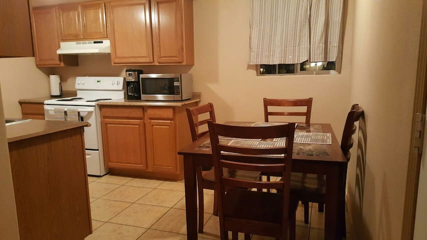 TWO BEDROOM APT NEAR THE STRIP # 4