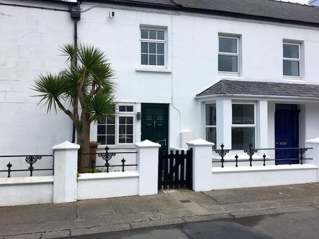 Character 2 Bed Cottage in Ballaugh.