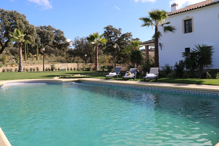 Villa las Encinas - The Evergreen Oaks - Ronda - Villa