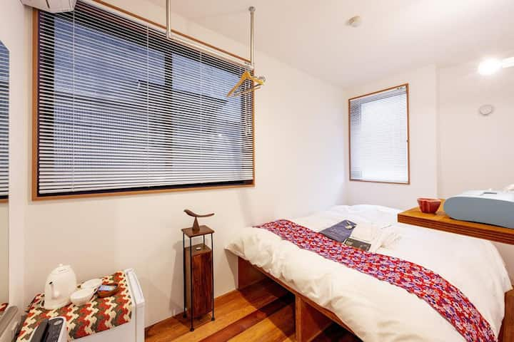 5mins walk from Asakusa Station! Deluxe double