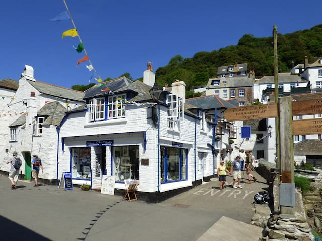 HARBOUR BRIDGE, romantic in Polperro, Ref 919505