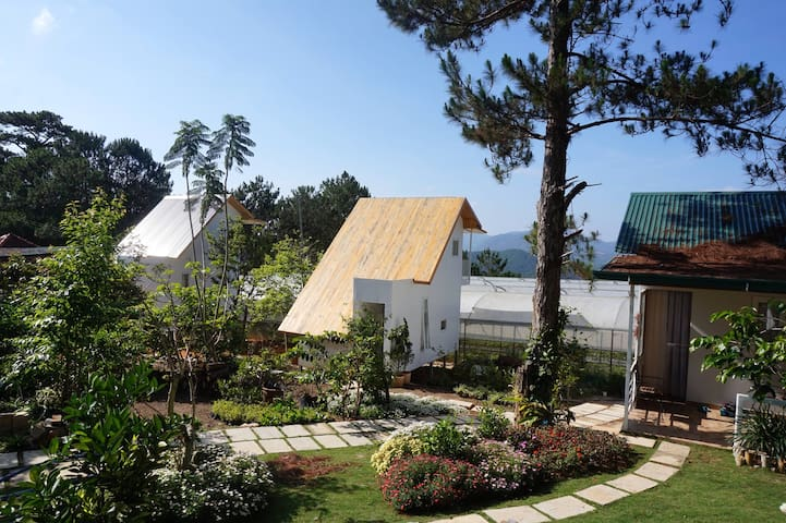 Farm'ily Farmstay - bungalow 2 with beautiful view