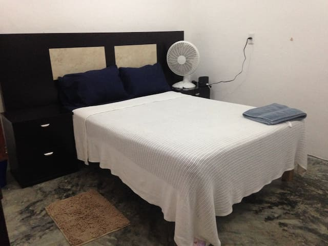 1 habitation,  1 Room For Rent - Tulum - House