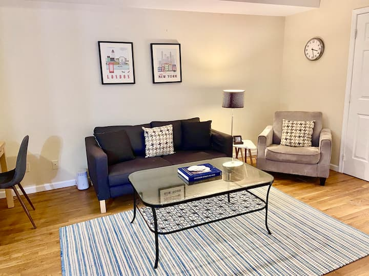 Cozy 2Bed/2Bath Close to Path w/ In Unit Laundry