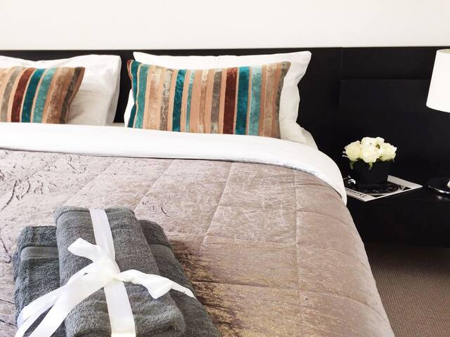 Light 2 bed apartment 10 min from Hyde park - Londres - Apartamento