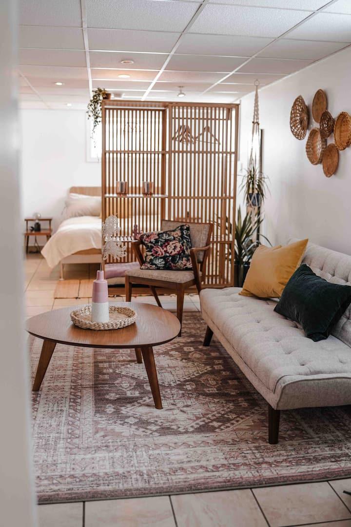 Sydney harbour-Midcentury modern Studio Apartment