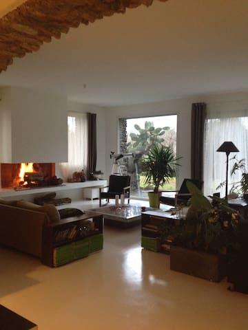 Maison avec jardin,piscine,tennis. - Venzolasca - Huis