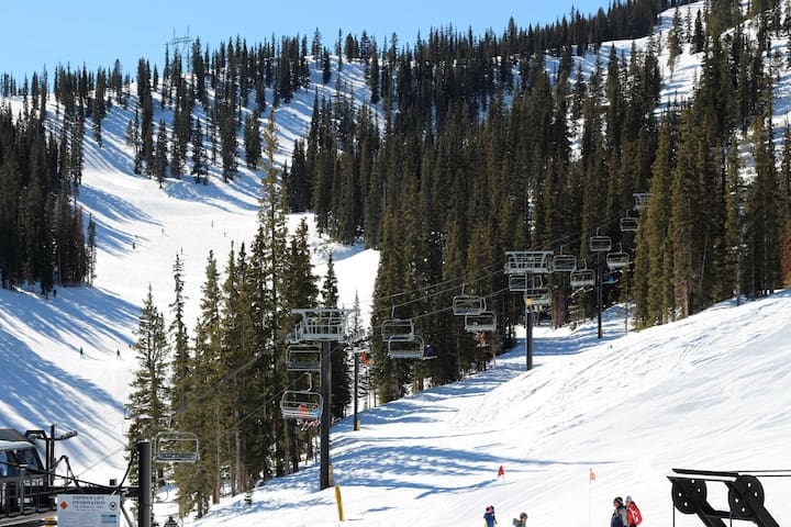 Located within a short drive of the slopes, you'll enjoy endless skiing while staying here.