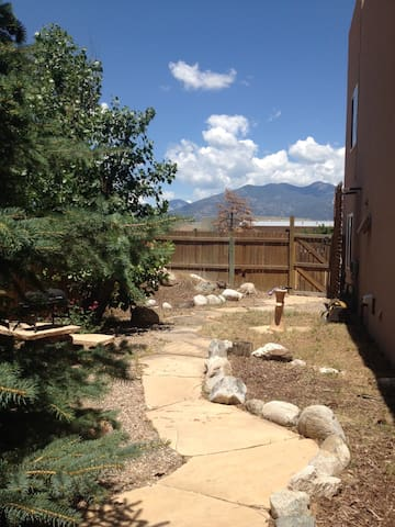 Casa De Blis- 3 minutes from Taos Plaza