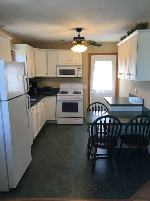 Roomy Kitchen with eating area for 3