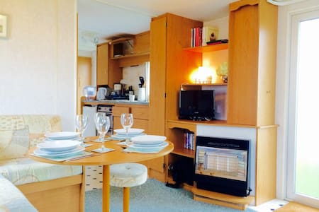 Rye Harbour mobile home with pool. - East Sussex - Annat