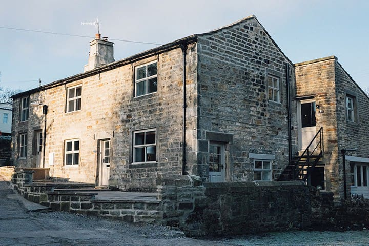 Studio Apartment on the Dales Way, with River view - Addingham