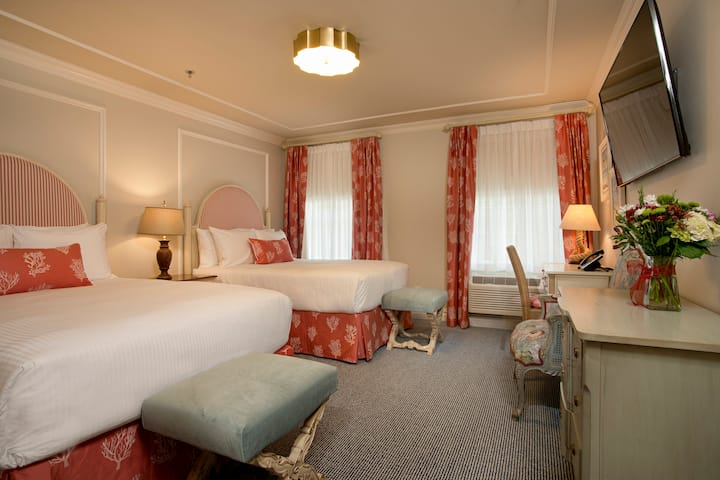 Room 205 - Old Town Bluffton Inn