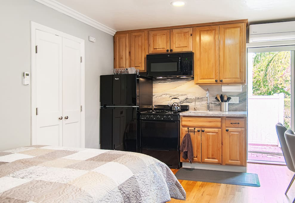 Kitchen Area, Entry Door to the Right (Door to Bathroom closed)