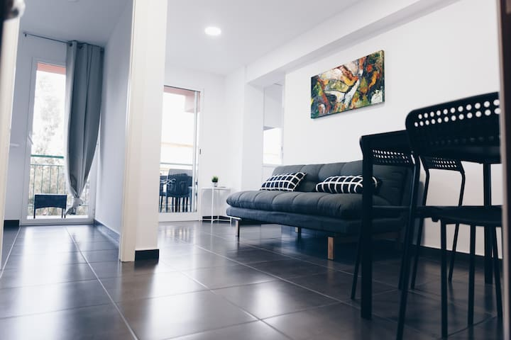 A new cozy apartment in front of Eurosol's beach