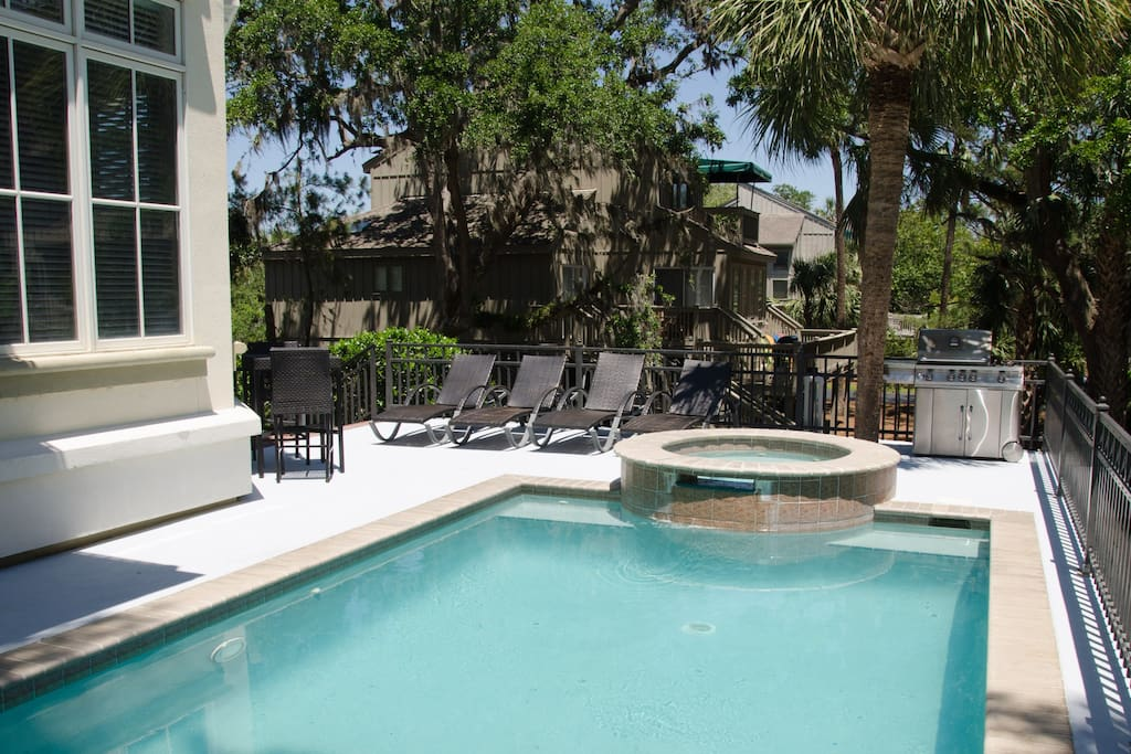 Private elevated pool and hot tub can be heated for an additional cost.