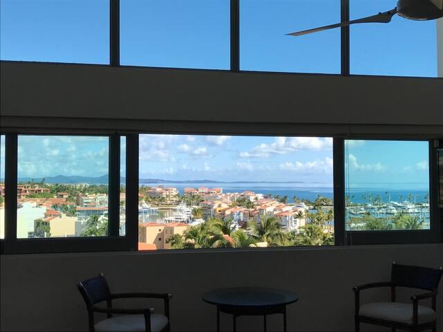 Tropical modern townhouse w ocean views