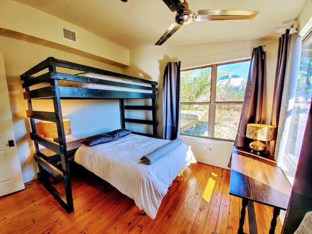 Bunk room: full bed over queen