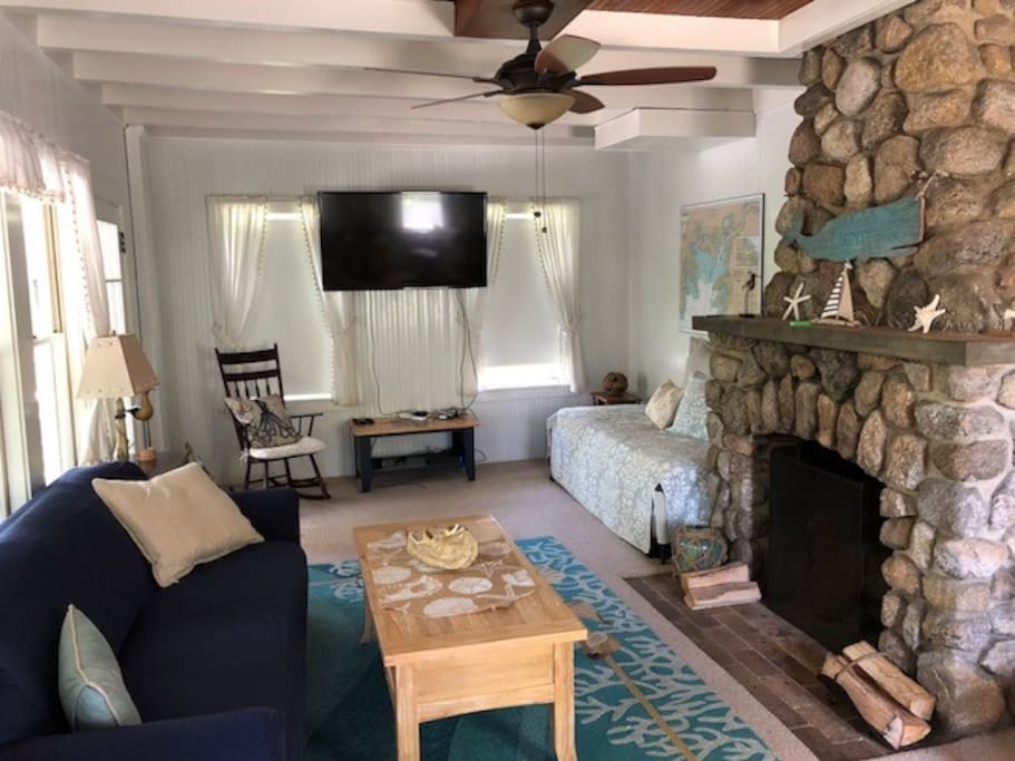 Family Room & Working Fireplace