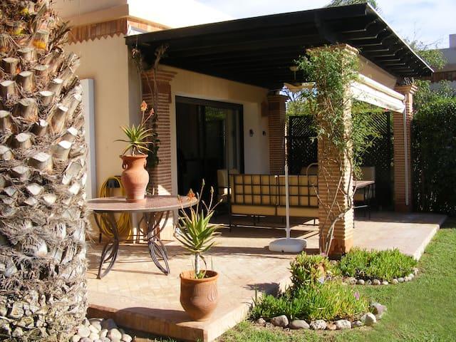 (13) Grande  villa, sans vis-à-vis à Dyar Shemsi