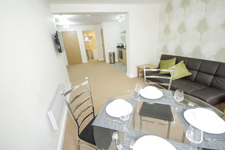 4 seater dining facilities