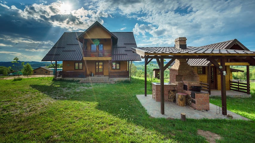 Transylvanian Countryside Family Cottage