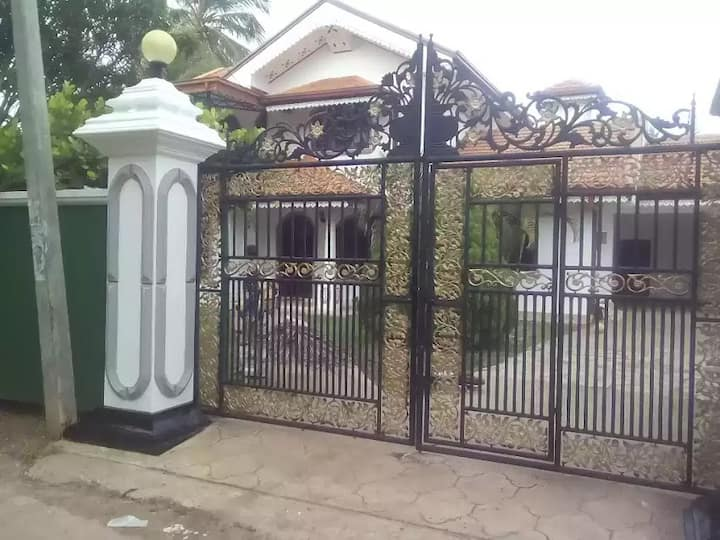 Wincent House Near CMB Airport