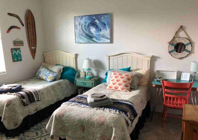 """AllsWell"" at Your Surfside Beachy Twins Room!"