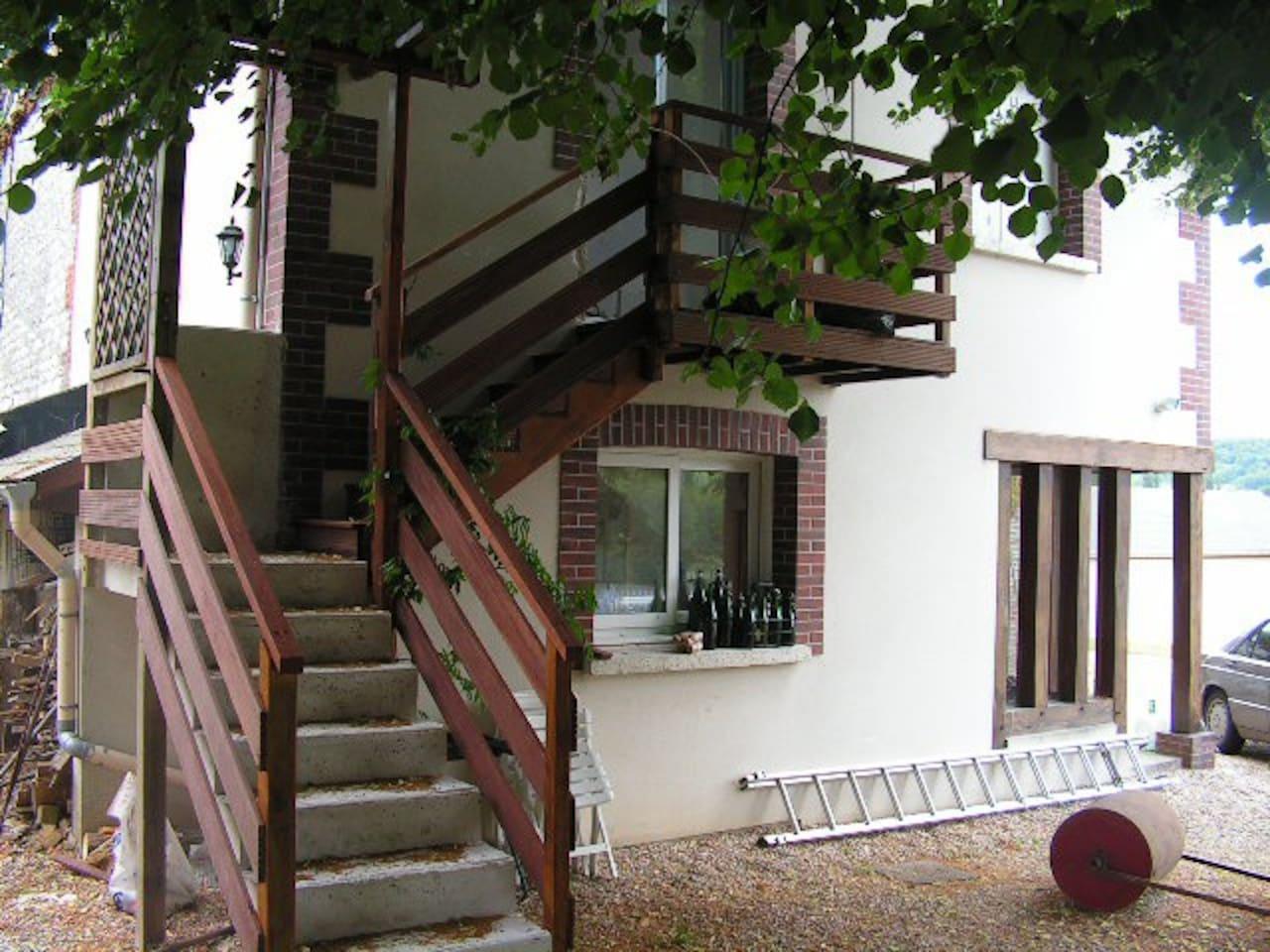 Accés indépendant par escalier extérieur