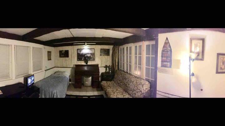 StonybrookU prefer long term kit wsh/dry 房間有傢俱.