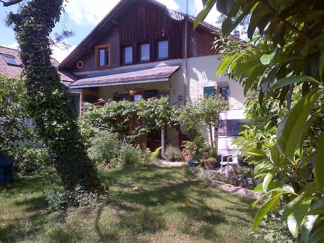 Maison de caractère dans un village
