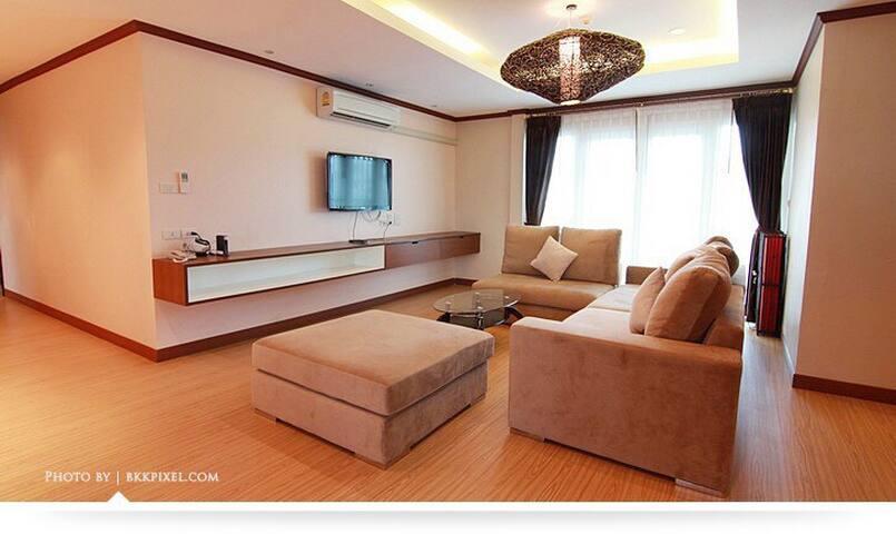 3 bedrooms for rent at a center - Khlong Toei Nuea - Apartamento