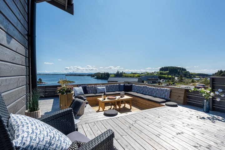 Villa Skansen | 4  bedrooms | Boat & Kayak Rental