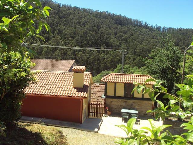 Casa en zona rural próxima a playas y servicios - Cedeira - บ้าน