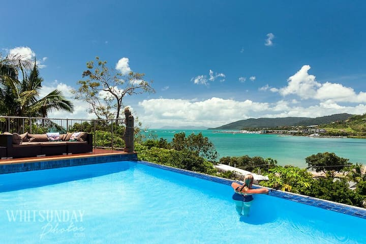 Wow Factor -AIRLIE Private Balcony - Cannonvale - House