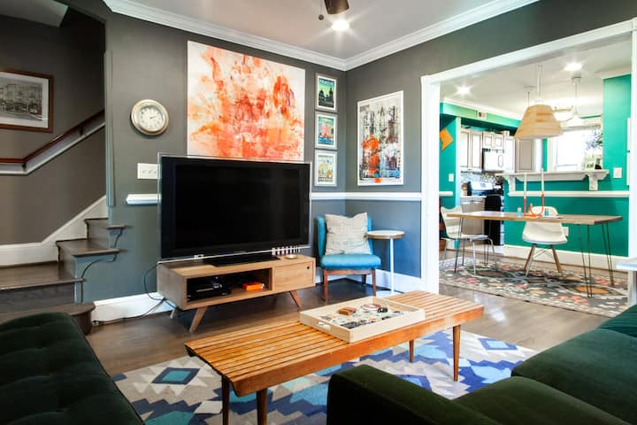 ♢ UNFORGETTABLE DC VACATION HOME ♢ PARKING + W/D