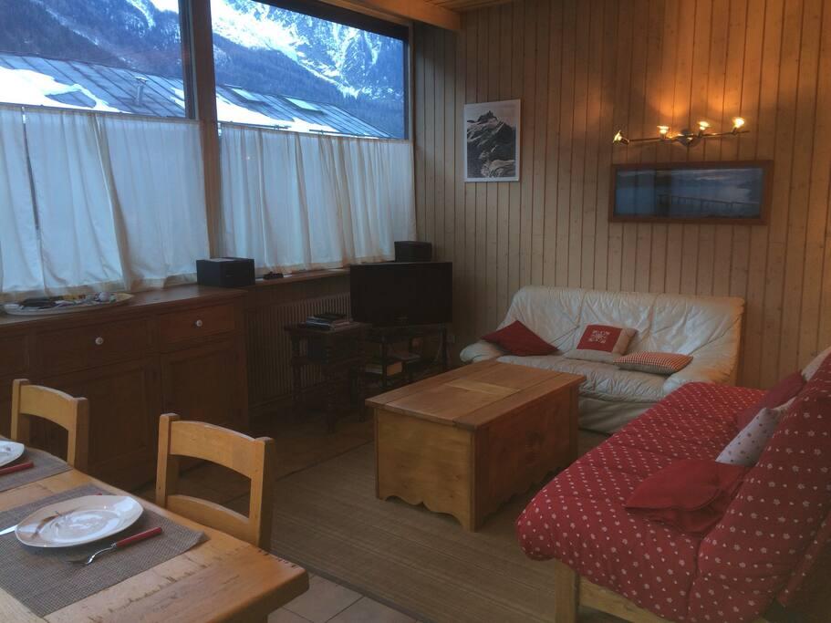 Grand séjour lumineux face au Mont Blanc