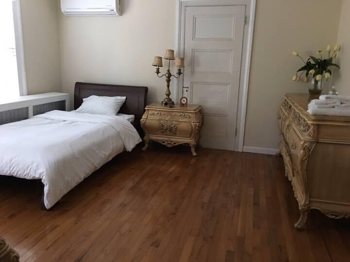 Mini-Suite near JFK