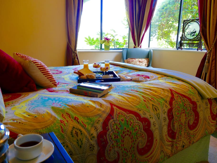 Wake up with freshly prepared breakfast . Birds , garden, Sunrise over the mountains from your bed!