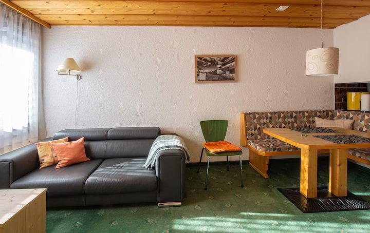 Atlantis-Appartements, (Samnaun-Ravaisch), 2 Personen / 1 Zimmer / 1 Schlafraum / Nr. 203 / 28m2