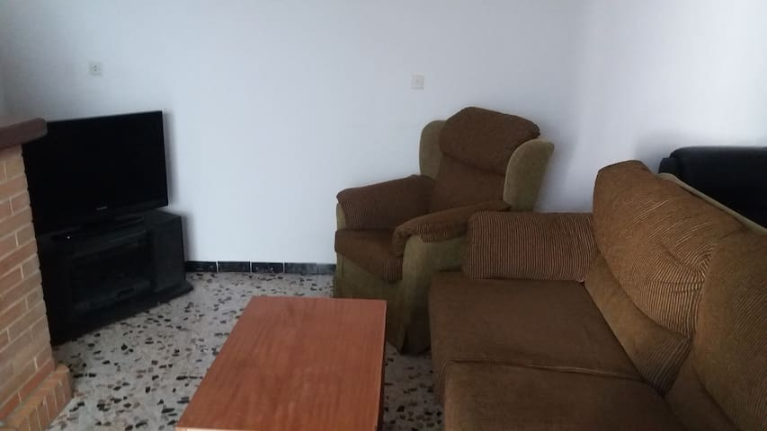 Habitación + baño + cocina + salón en Lebrija-Sev - Lebrija - Hus