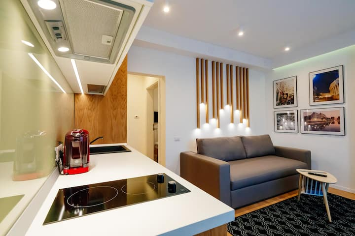 Arbans  Cosy & Modern Apartment in the City Center