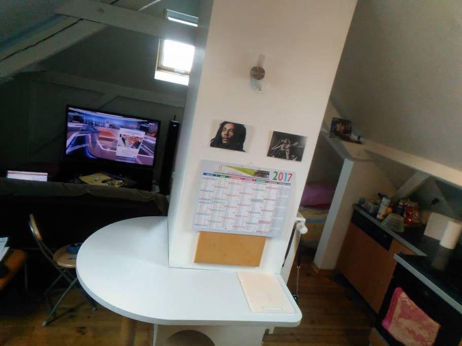 Studio atypique et calme appartements louer for Studio atypique