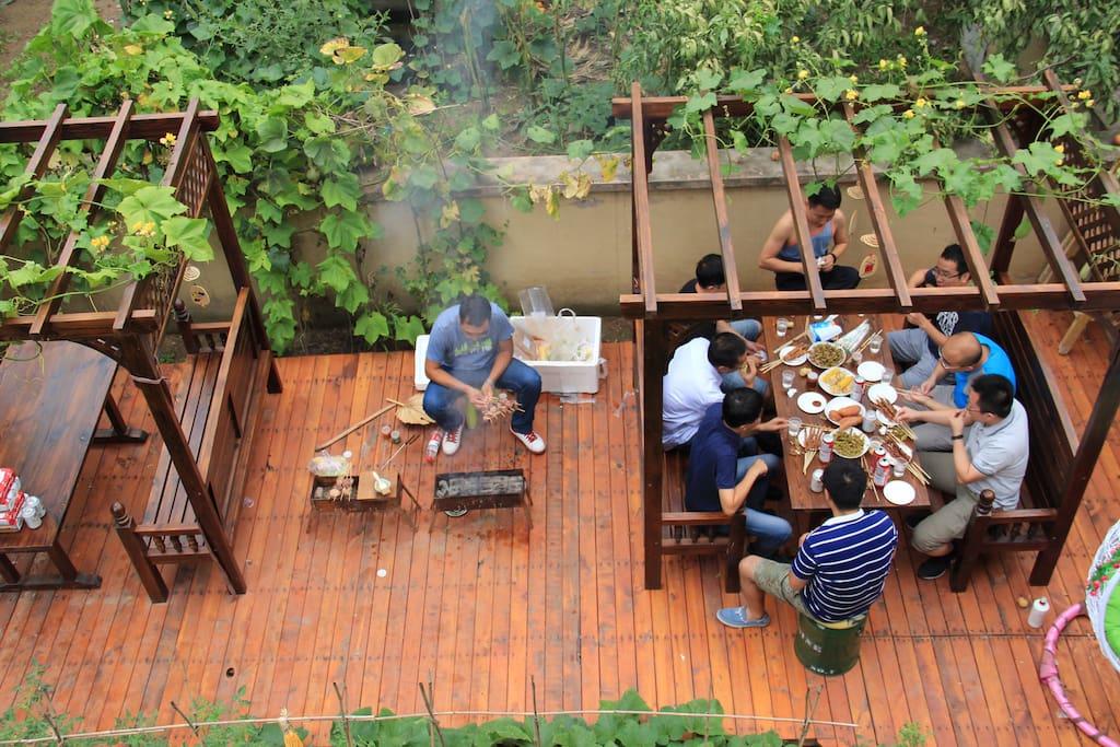 200平庭院烧烤