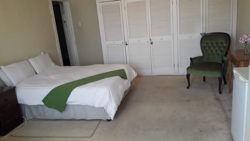 Suite 411, The Parkview Hotel, Durban
