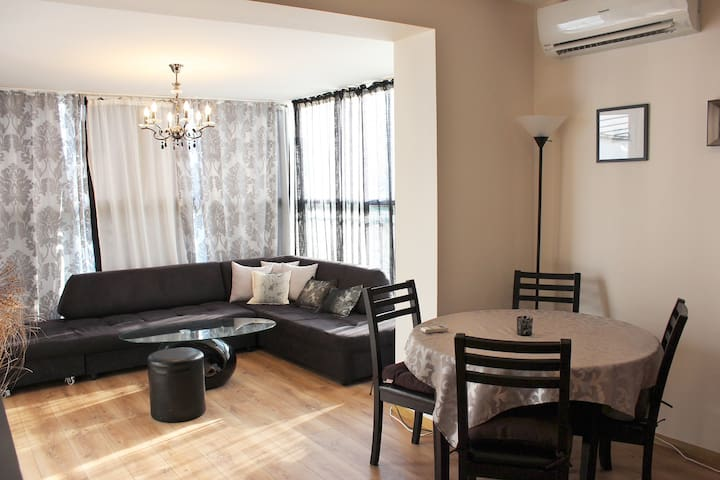 2 Bedroom apartment with a huge terrace - バルナ